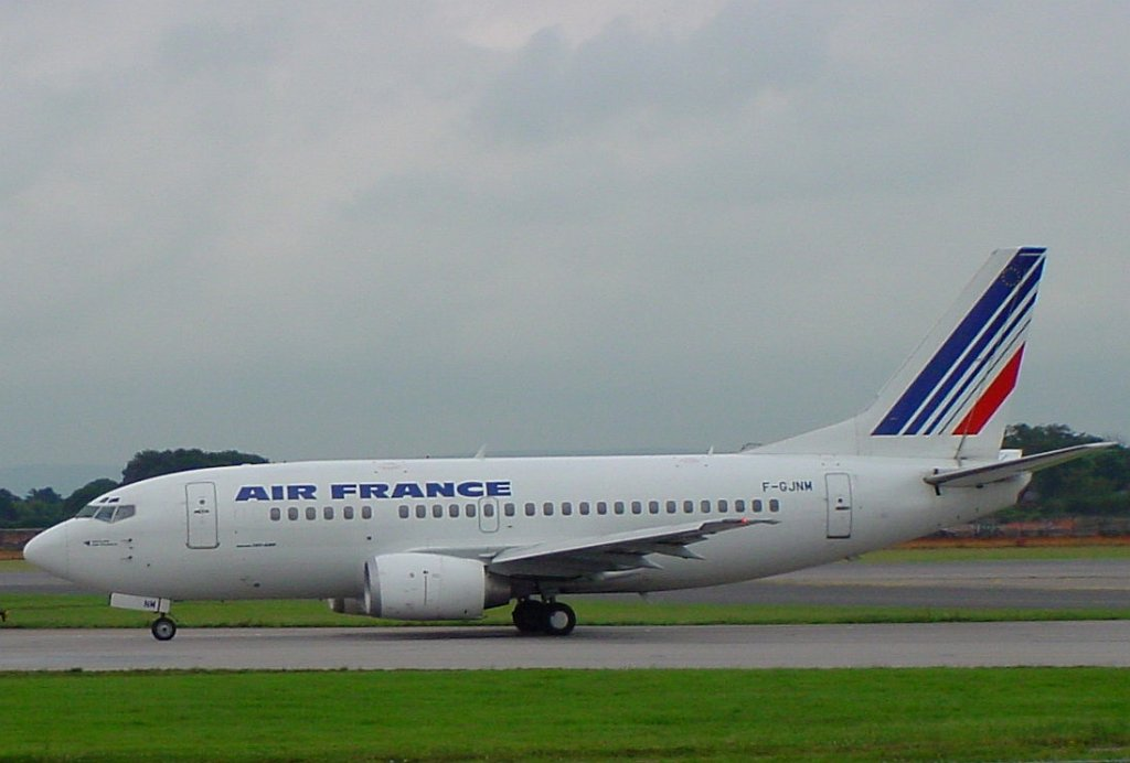 Aircraft photographs ringway 20000810 b737 air france f gjnm for Air france assistance chaise roulante